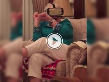 Grandma cannot handle VR Jurassic Park (Video)