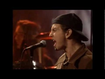 Pearl Jam - State Of Love And Trust (unplugged)